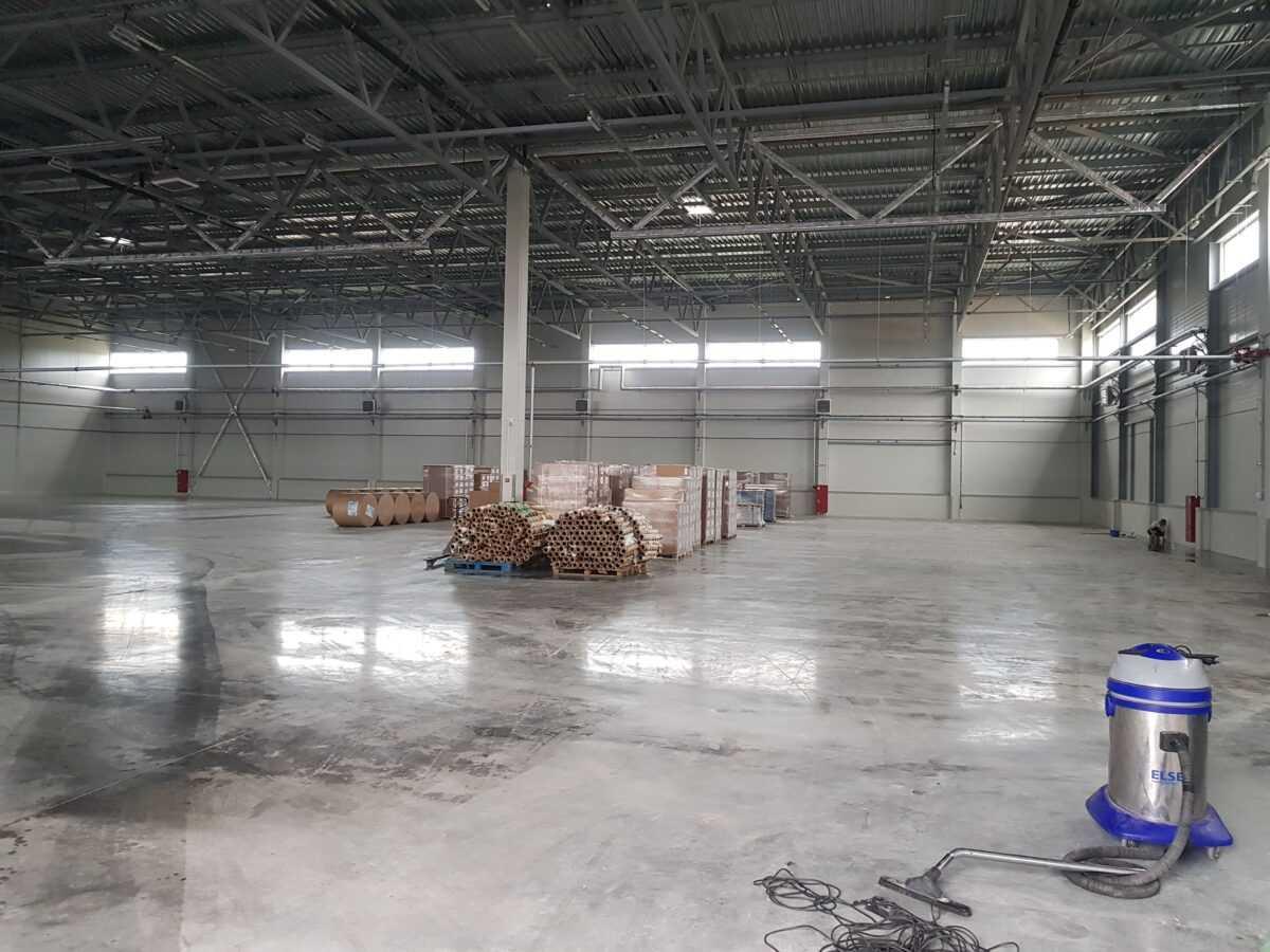 Уборка складов и производственных помещений